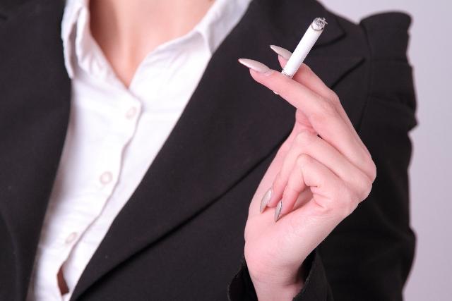 禁煙するとお肌ツルツル!?綺麗になる噂って本当?