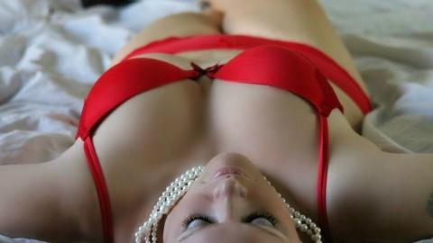 胸の形にコンプレックスを抱える女性のための形を良くする方法