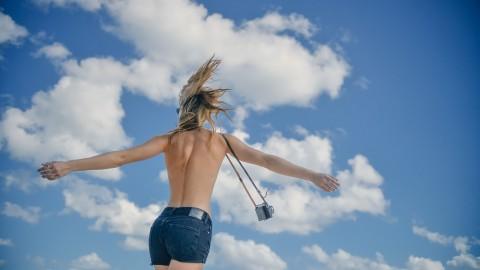 肩甲骨が出ない原因とは?綺麗な背中の作り方
