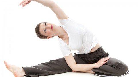 簡単!脚痩せに効果的な股関節ストレッチや運動方法