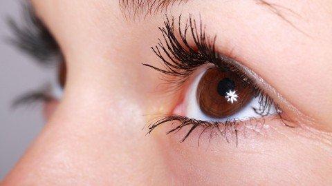 眉毛がつながる!?眉毛が濃い女性の理由と整え方