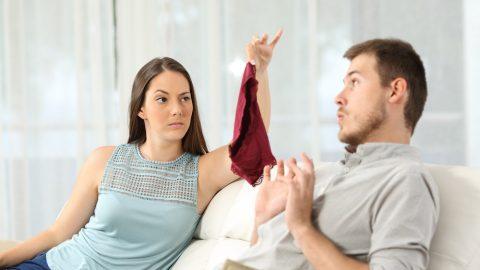 妊娠中の旦那の性欲処理どうしてる?浮気や風俗通いが心配